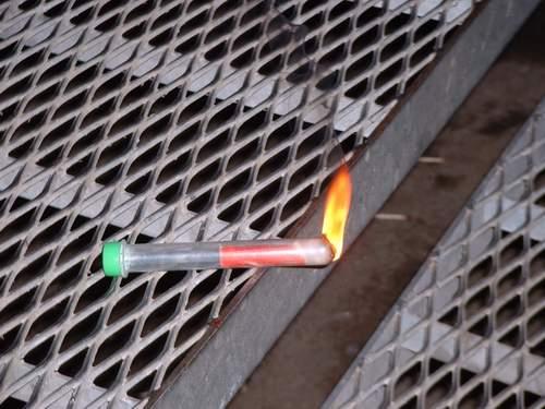 Burning Reagenzglas #2