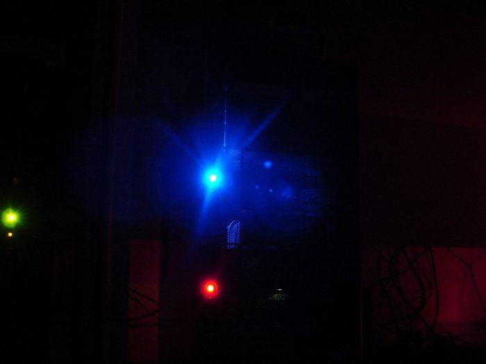 Es leuchtet blau