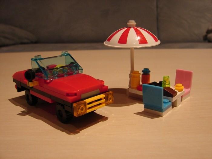 What the Mini-Fig - #19 - Block Tech - Beach Party